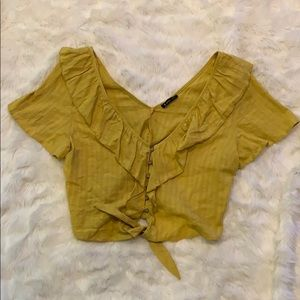 adorable yellow cropped button up shirt